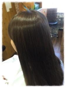 新作美容師さんにも人気のヘアカラーでっす!!。
