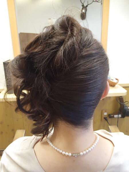結婚式のお呼ばれヘア